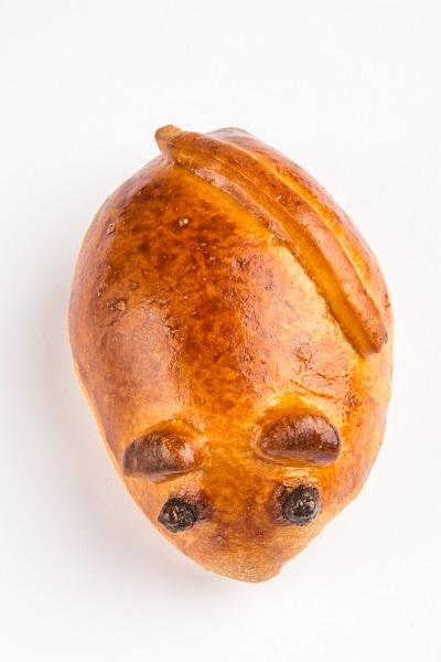 Пирожок «Мышка» с вишней